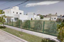 Casa ubicada en Barrio Manzanar, sobre Los Aromos