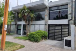 Local de 203 m2 cubiertos, en Barrio Flamingo, s/ calle Alem