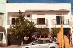 Departamento ubicado en calle Roca, zona Centro