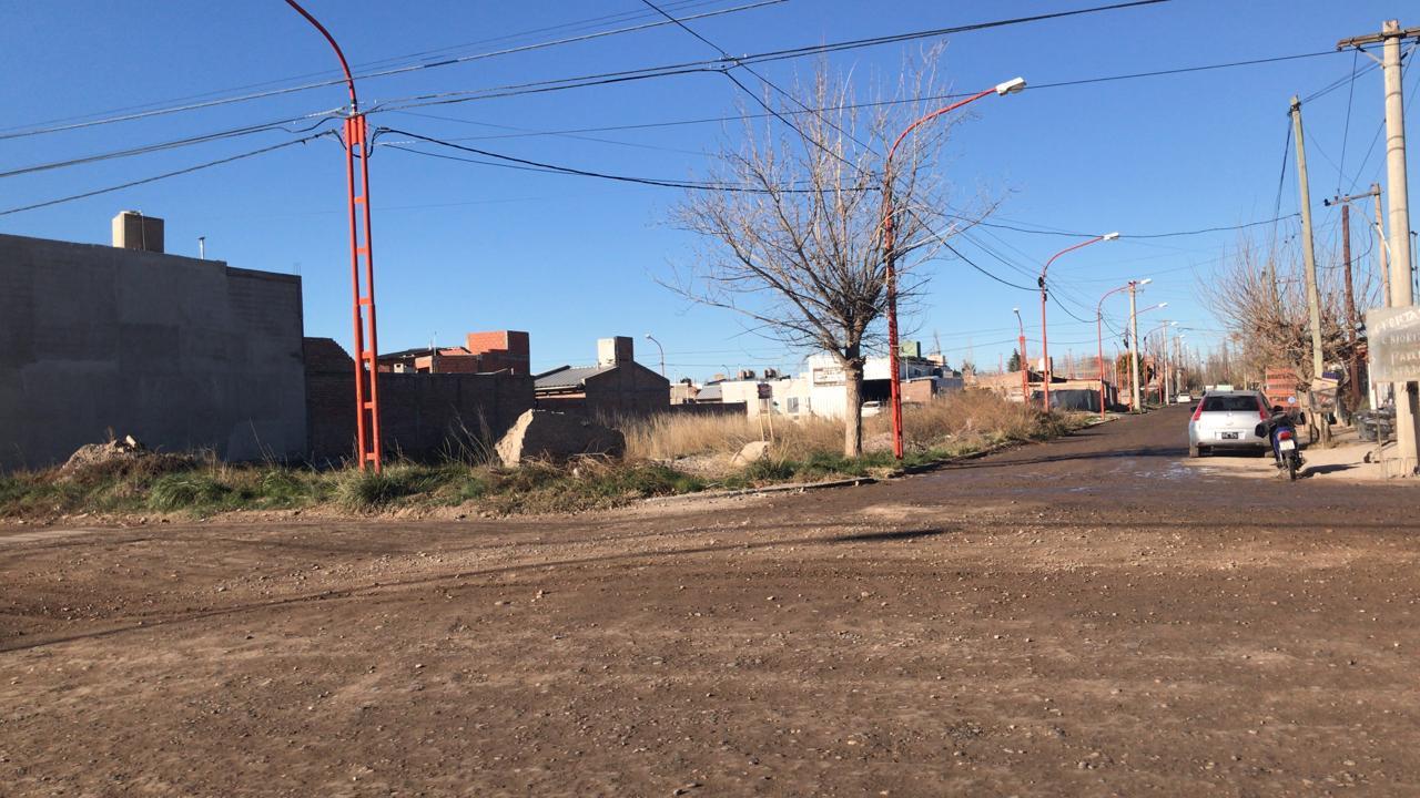 Terreno ubicado en barrio Colonia I, s/ calle L.Gonzalez y Primeros Pobladores