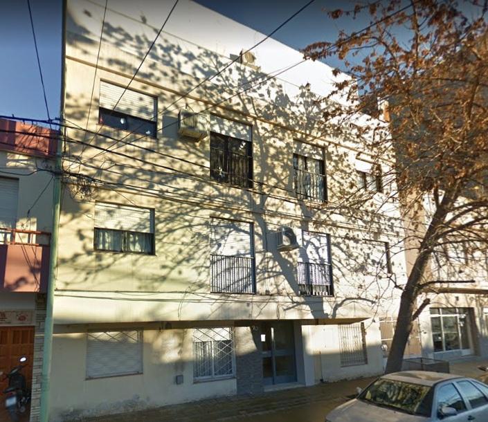 Departamento ubicado en zona Centro, sobre calle Belgrano